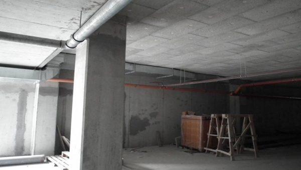 Na stropy garáží
